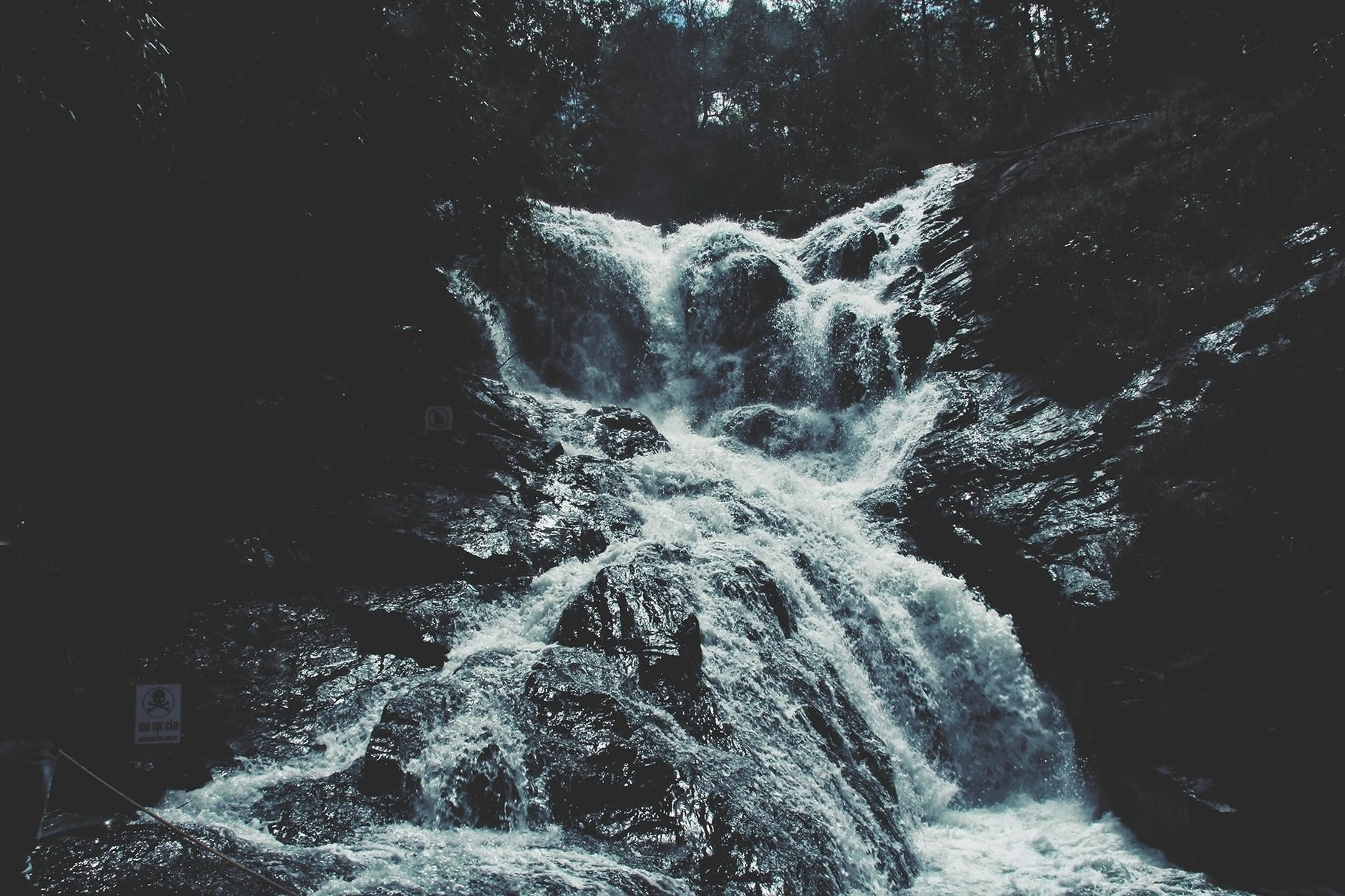 grayscale of waterfalls